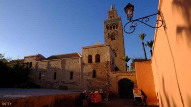 المغرب وتركيا يعلقان الصلاة في المساجد