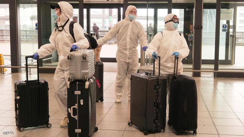 فريق طبي صيني يصل لندن