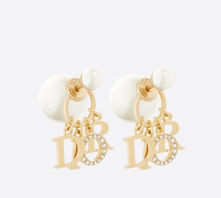 أقراط متدلية بالذهب واللؤلؤ من دار ديور Dior