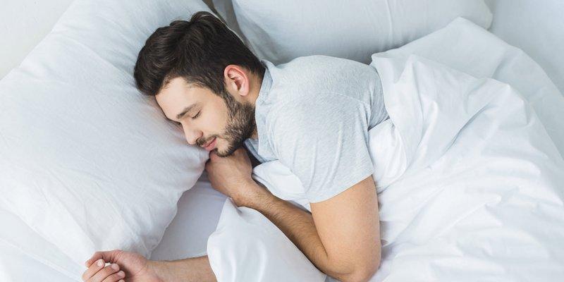 كثرة النوم وقلة النوم يؤديان إلى النوبة القلبية