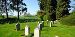 لن تصدق شاهد الجثث تتحرك من مكانها في مقبرة استرالية كل نصف ساعة