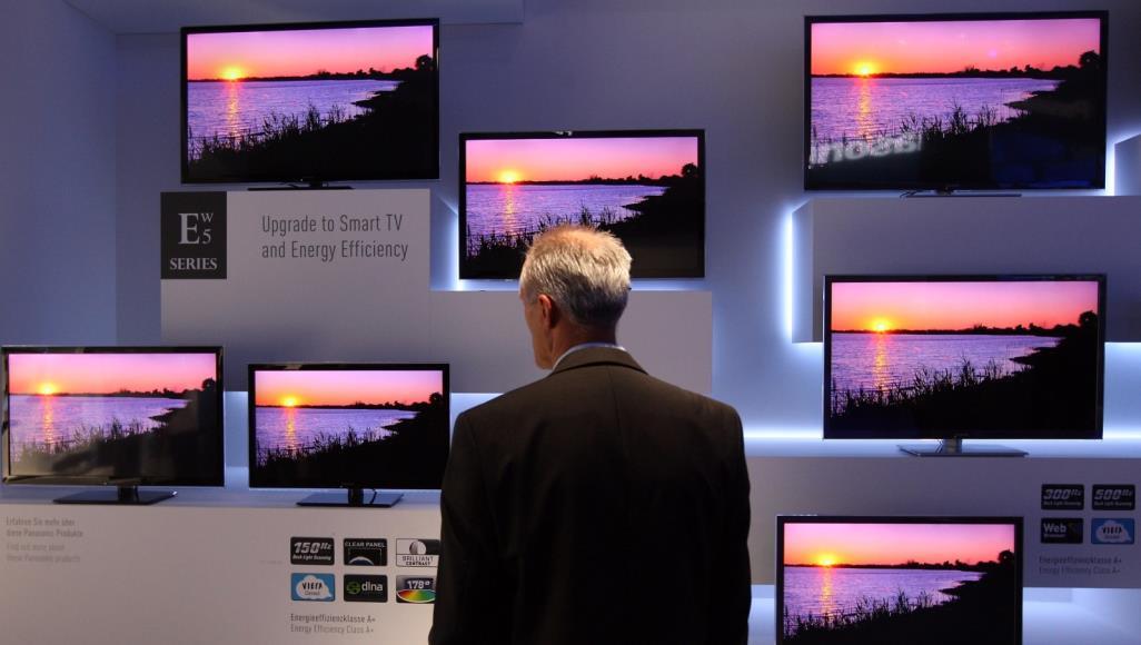 التلفاز الذكي : إمكانية مشاهدة مقاطع الفيديو من الإنترنت على شاشة كبيرة بدقة وضوح